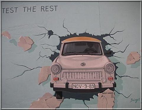 mur de berlin trabant