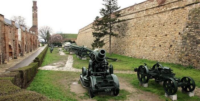Belgrade Kalemegdan musée militaire Canons Vojni Muzej
