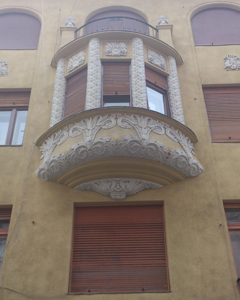 budapest balcon stucs