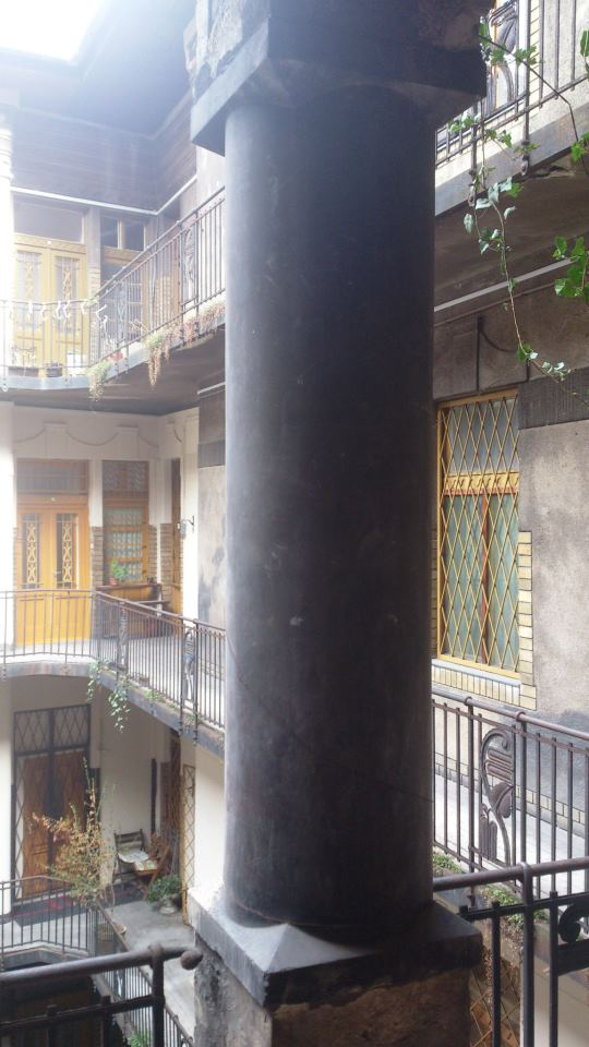 budapest colonne balcon