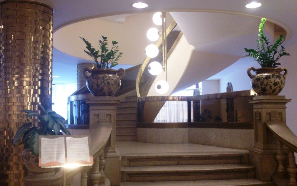 budapest escalier