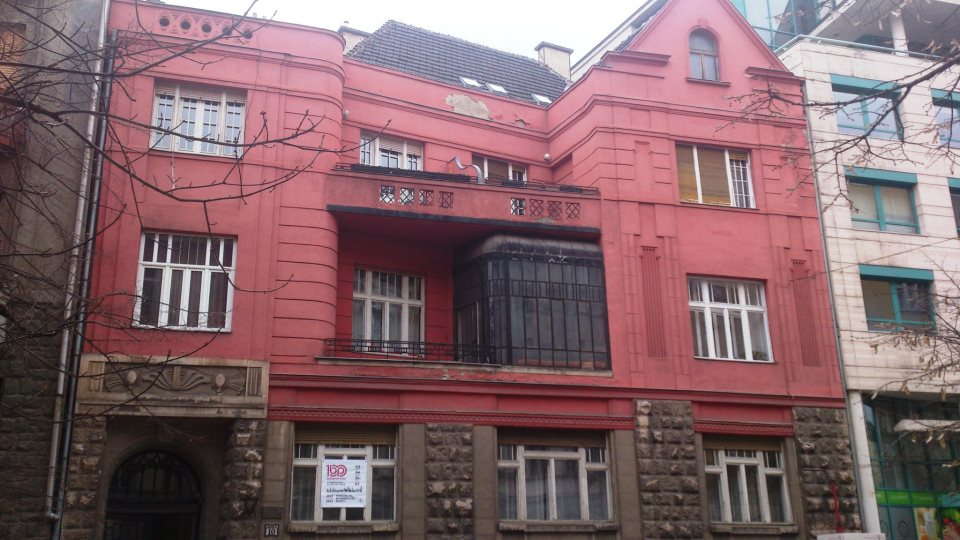 budapest facade rouge