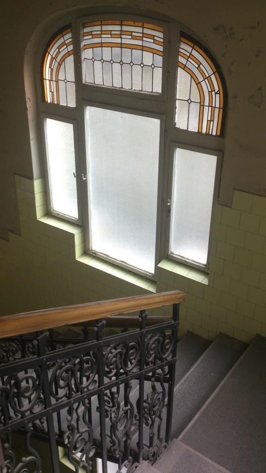 budapest fenetre escalier