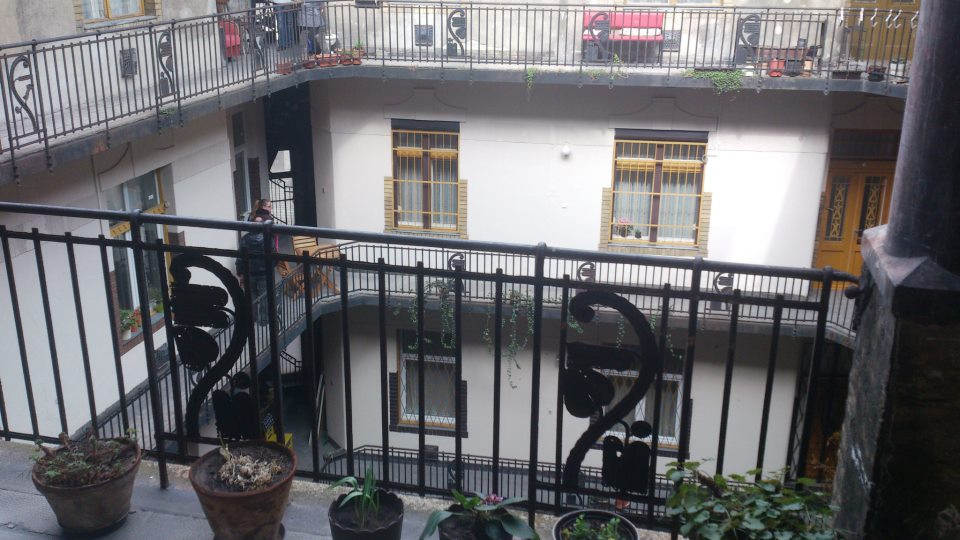 budapest grilles balcon cour