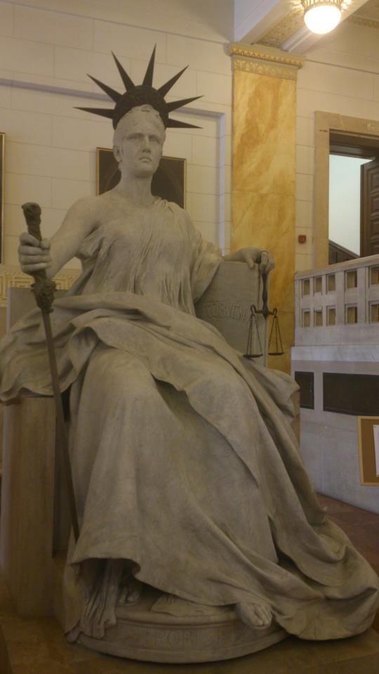 budapest statue justice