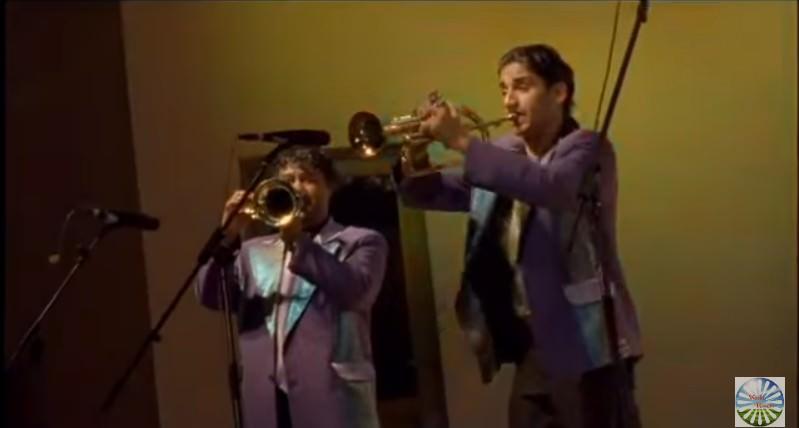 Scene affrontement trompettes Gucha trompette d'or