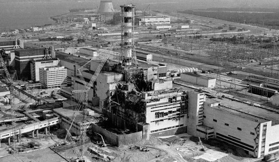 centrale lenine réacteur 4 de tcherobyl après l'implosion