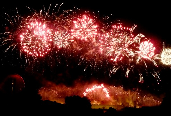 feu artifice 2012 carcassonne feux rouges