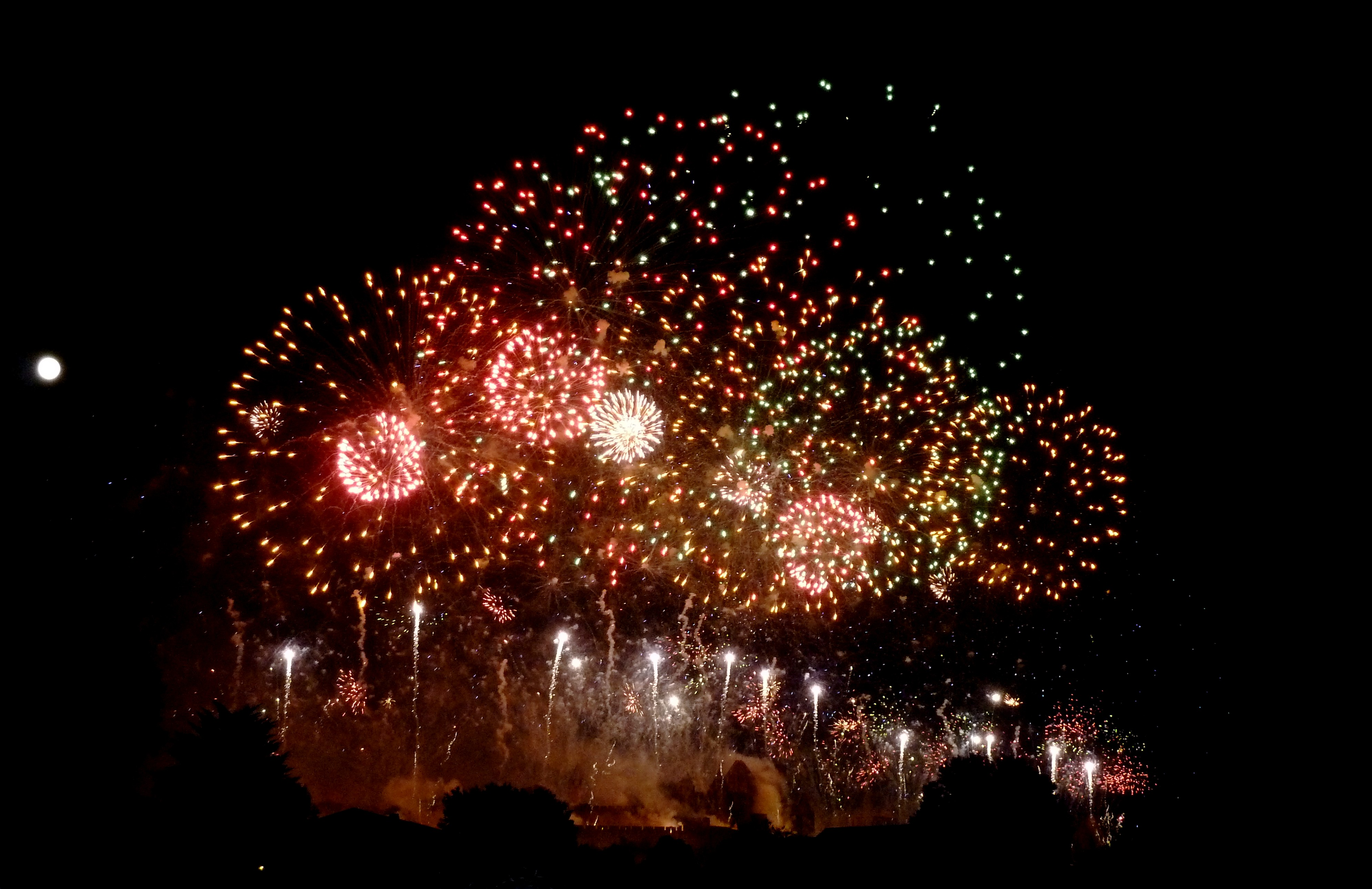 feu artifice carcassonne 2011