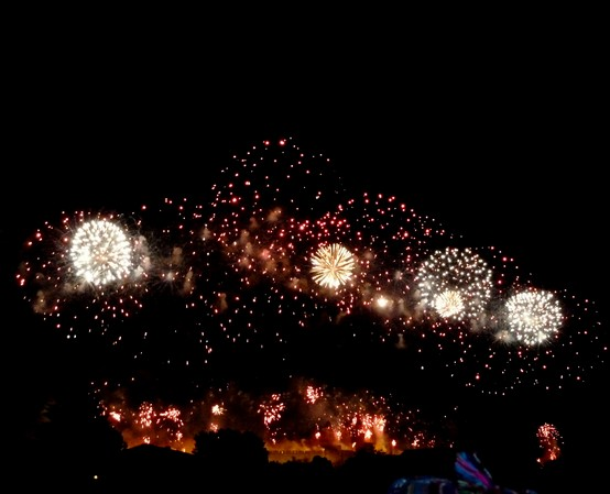 feu artifice carcassonne en 2011