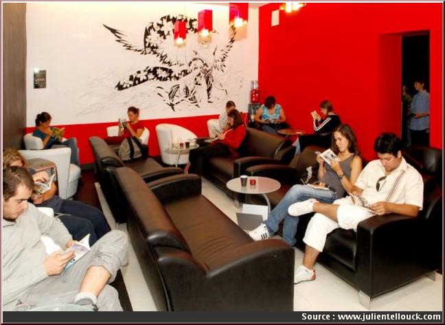 Manga Café Paris ; le premier manga kissa en Europe