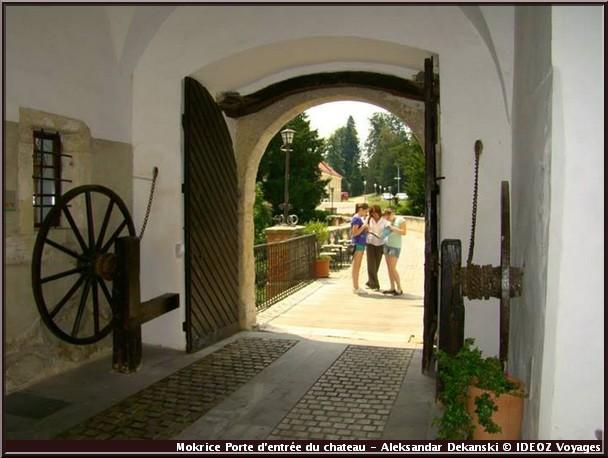 mokrice porte entree chateau