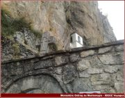 Ostrog monastere croix