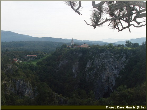 skocjan panorama village