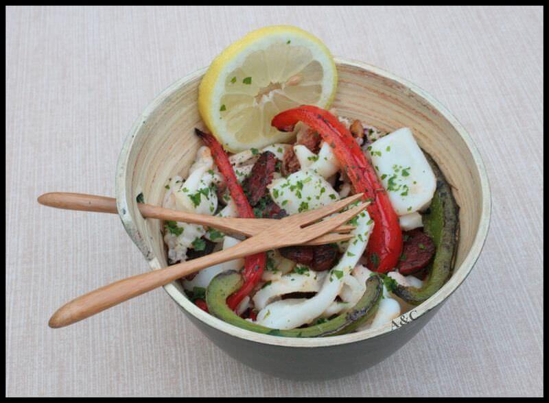 Calamars à la basque cuits à la plancha poivrons chorizo