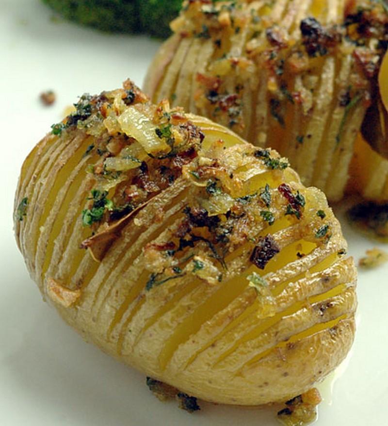 recette hasselback potatis pommes de terre r ties su doises. Black Bedroom Furniture Sets. Home Design Ideas
