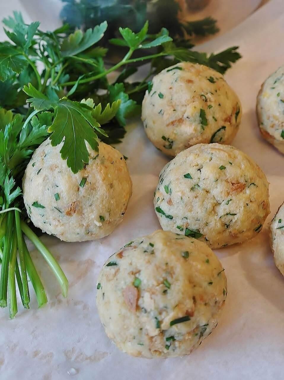 Knodeln au pain et aux légumes