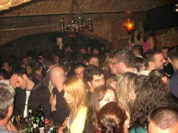 samedi soir dans le club Jez faire la fête à Sarajevo