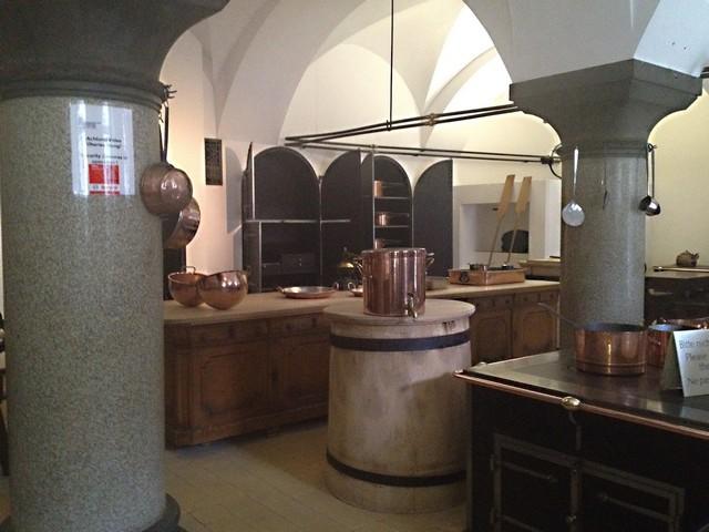 vaisselle neuschwanstein cuisine