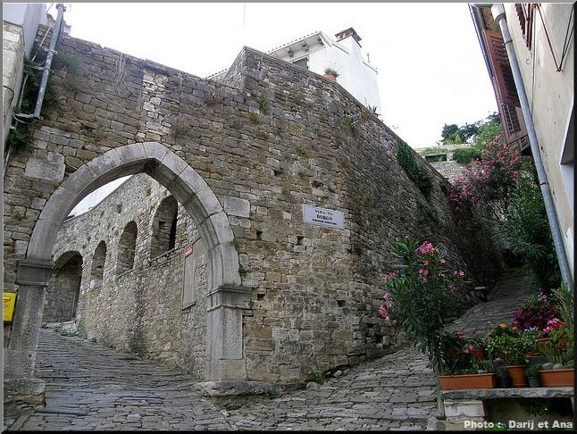 motovun porte fortifiee