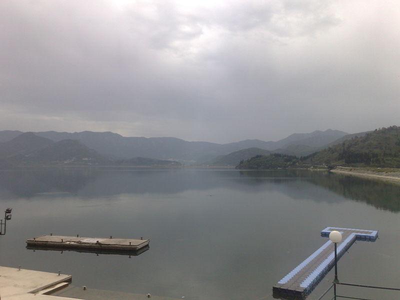lac de skdar brumeux