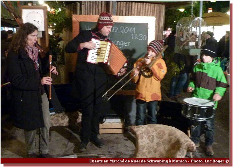 Chants de Noel au marché de Schwabing Munich