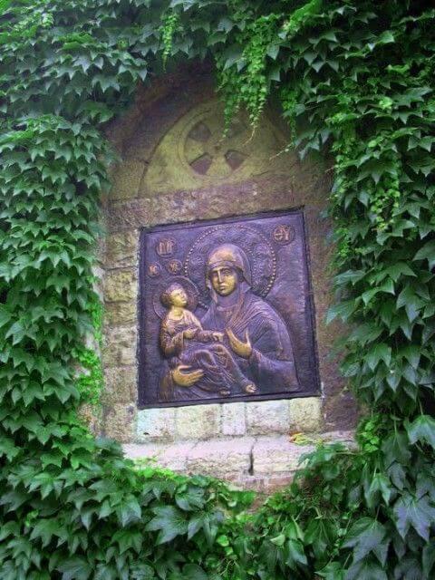 Eglise Ruzica la mère et l'enfant jésus