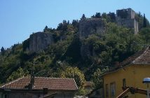 Forteresse de Stolac Photo: Antidiskriminator sous licence CC BY-SA 3.0 (Wikimedia Commons)