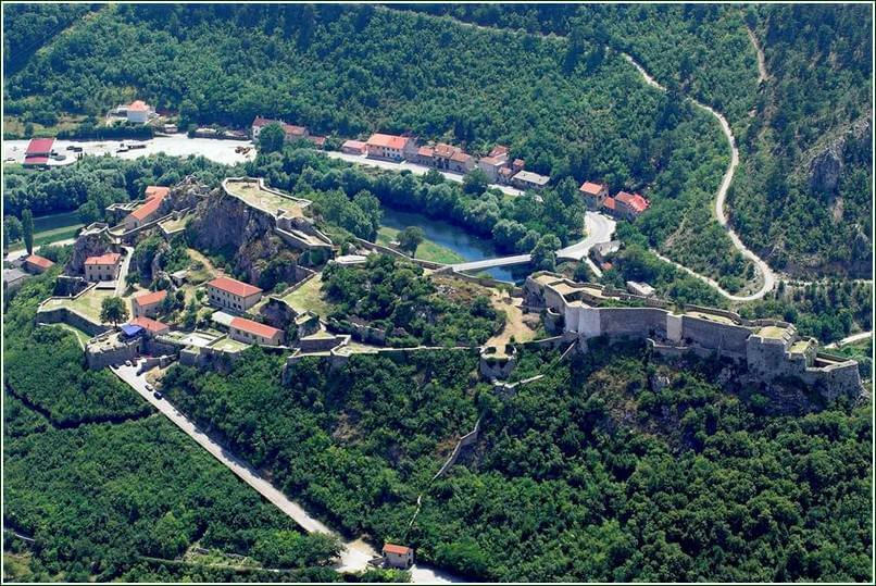 Knin vue panoramique de la forteresse