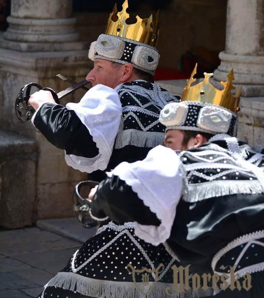Moreska danse des épées à Korcula