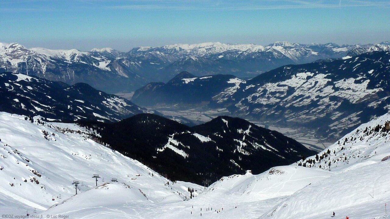 Panorama sur les alpes autrichiennes de Zillertal