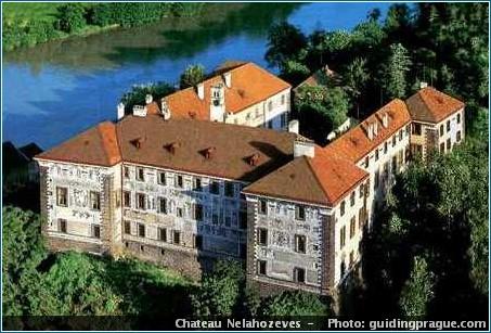 chateau nelahozeves