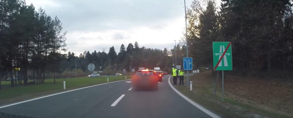 contrôles de la dars en sortie d'autoroute en slovénie