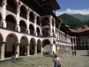 façade du monastère orthodoxe Rila