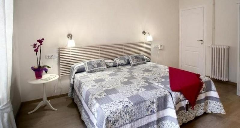 Blanc guest house barcelona charmante chambre d 39 h tes - Chambre d hotes barcelone ...