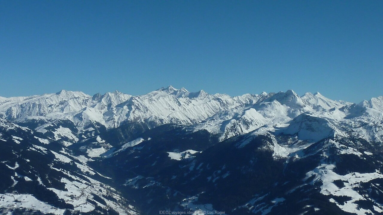 panorama sur les alpes du tirol Zillertal