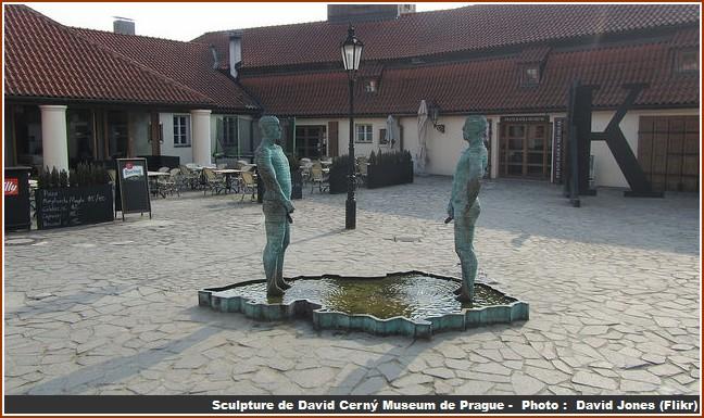 sculpture musee kafka prague