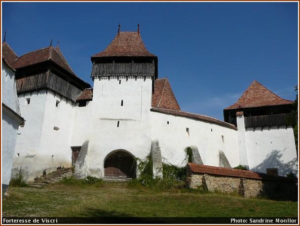 viscri entree village fortifie