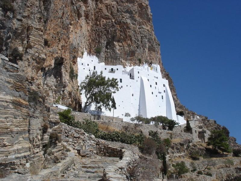 Cyclades Iles grecques Monastere Chozoviotissa