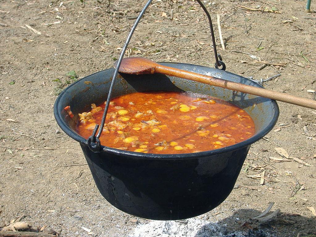 Gastronomie hongroise une cuisine pleine de saveurs et for Cuisine hongroise