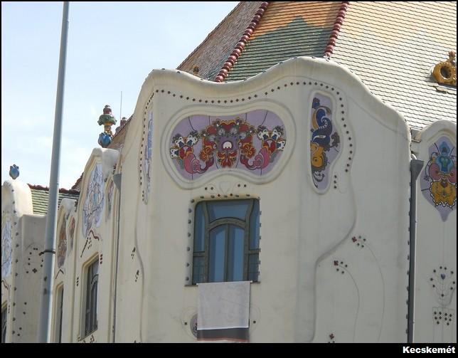 Kecskemét facade fresque
