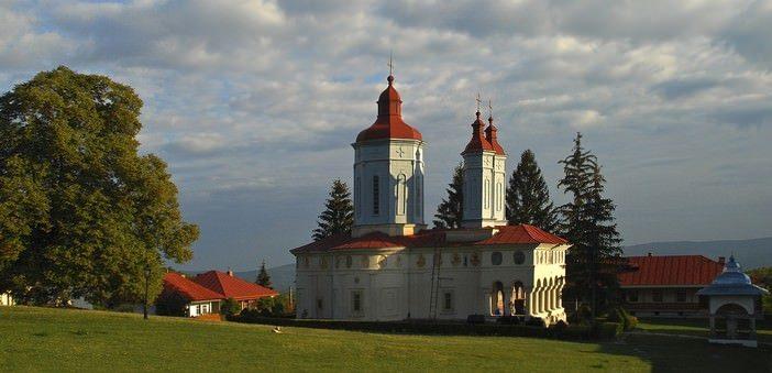 monastere ciolanu roumanie