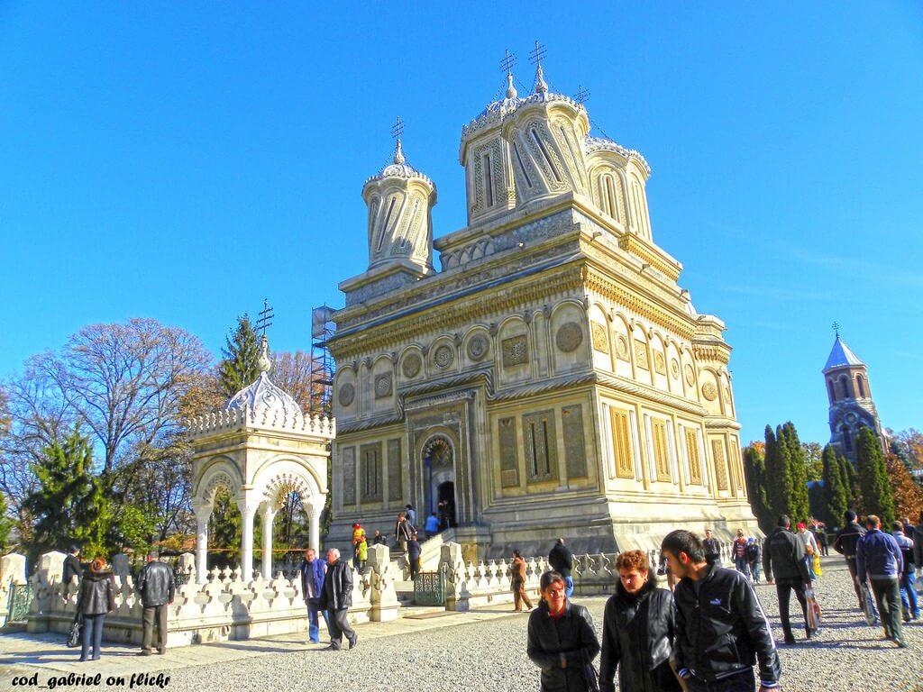 Monastère Curtea de Arges un des plus beaux monastères roumains