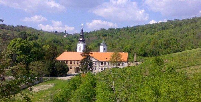 Monastère Kuvezdin dans le parc national Fruska Gora