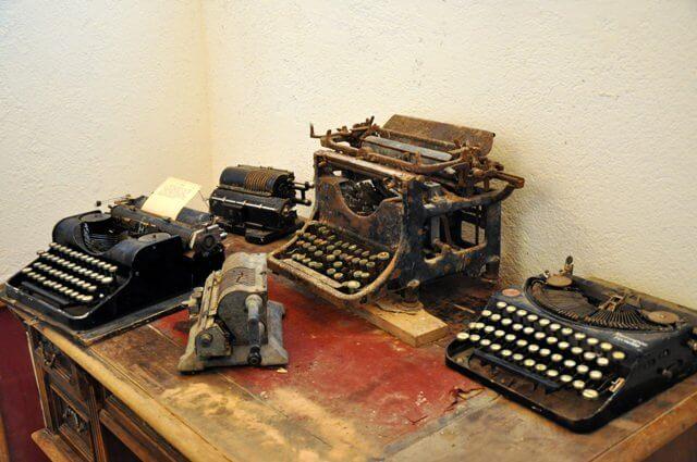 Mosna village saxon anciennes machines à écrire