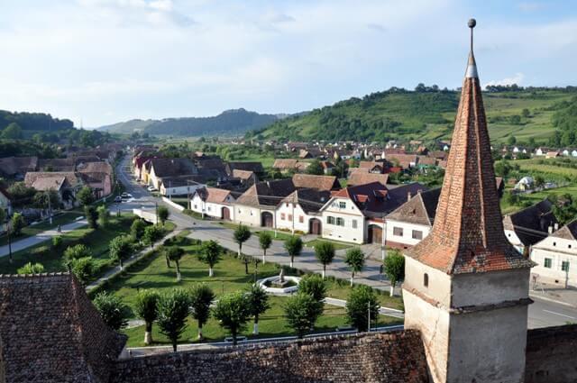 Mosna village saxon en Transylvanie