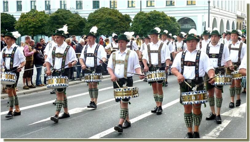 munich oktoberfest defilé 2012