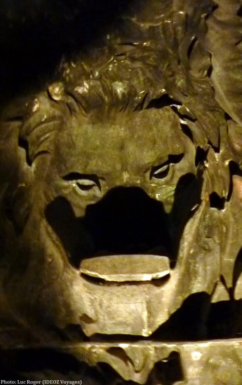 Munich Statue Madame Bavaria gueule du lion vue de l'intérieur