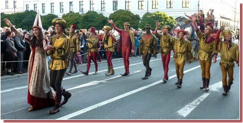 oktoberfest munich defile en costumes medievaux