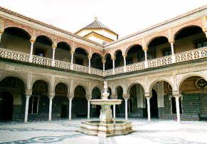 Patio de la maison de Pilate à Séville